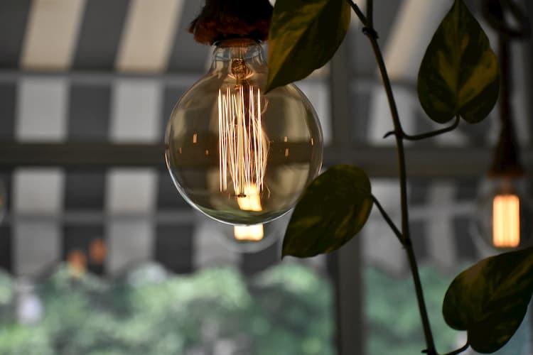 lm(ルーメン) 明るさの単位 照明選びの基礎知識